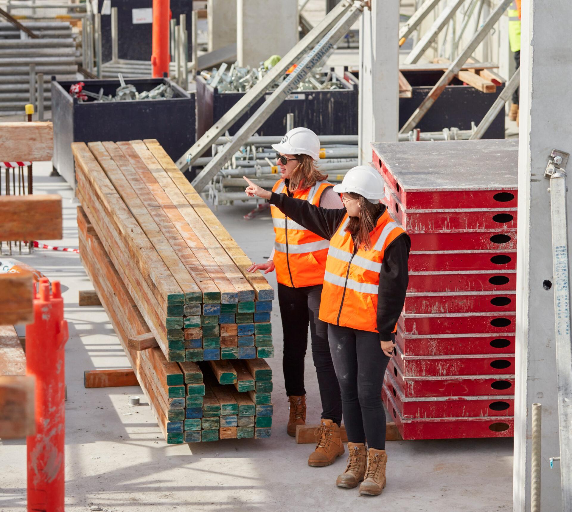 Construction Women Site